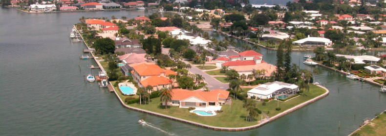 waterfront homes on Bird Key